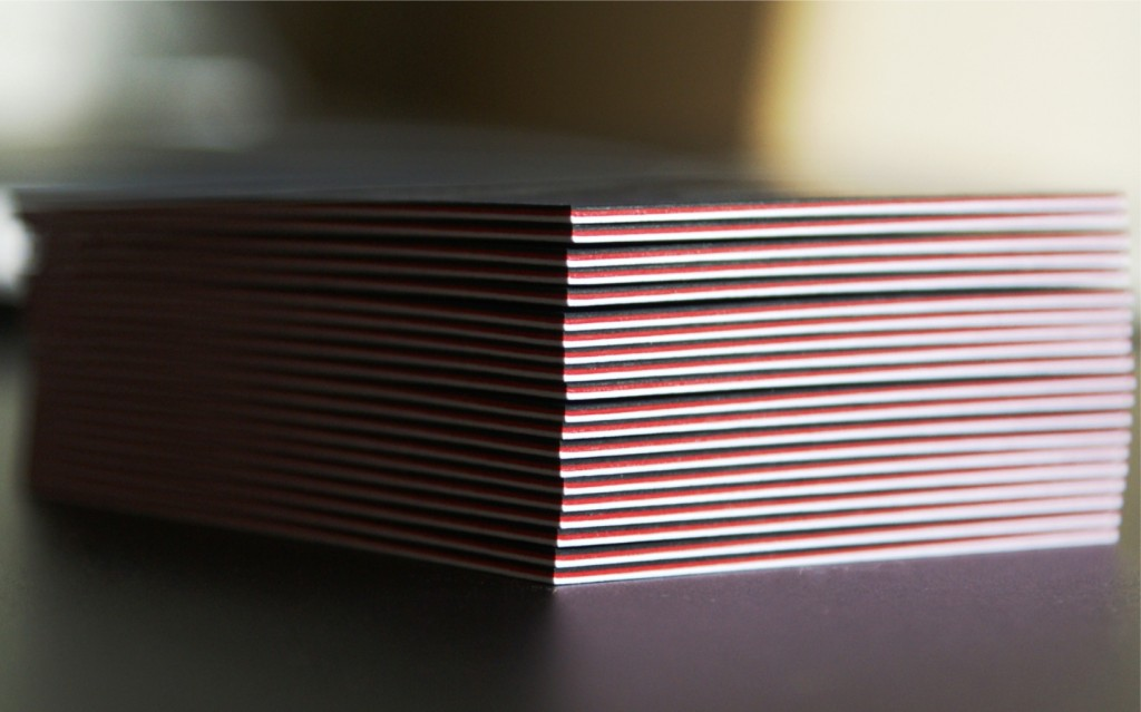 Carti de vizita multistrat negru alb